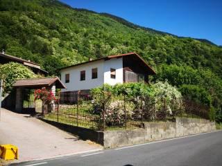 Foto - Villa plurifamiliare, da ristrutturare, 376 mq, Nembra, Edolo