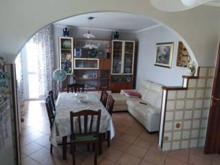 Foto - Trilocale via San Biagio 14, Castelnovo di Sotto