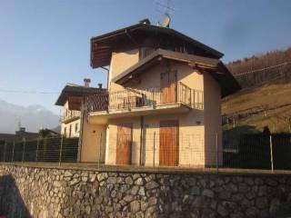 Foto - Terratetto unifamiliare 144 mq, buono stato, Gorno