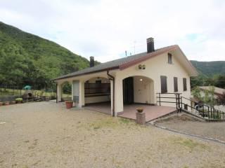 Foto - Villa plurifamiliare via delle Frascare 11, La Cà, Lizzano in Belvedere