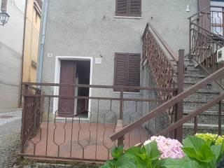Foto - Bilocale via Roma 19, Piazza, Morbello