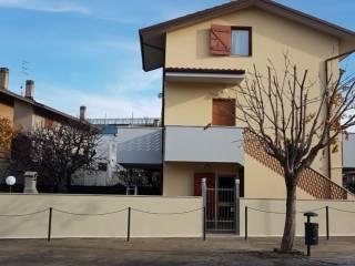 Foto - Villa a schiera via Po 55, Lungomare, Montemarciano