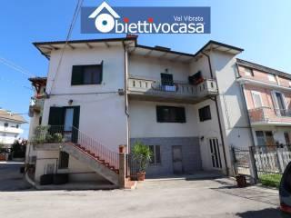 Foto - Terratetto unifamiliare piazza Castrum Rufi 45, Garrufo, Sant'Omero