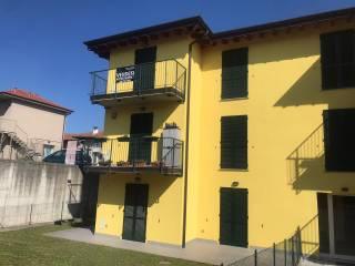 Foto - Trilocale via Camillo Benso di Cavour 18, Montonate, Mornago