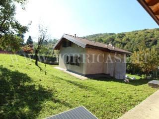 Foto - Villa unifamiliare via Barzini 4E, Gavarno Rinnovata, Nembro