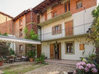 Foto - Villa unifamiliare viale Niccolò Paganini, Centro, Oleggio