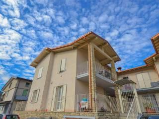 Foto - Trilocale via Oriolo, 16, Case Nuove, Vallio Terme
