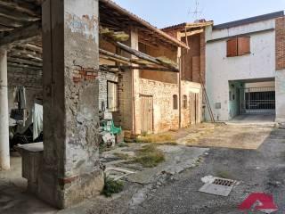 Foto - Rustico via Santa Maria Crocifissa di Rosa, Centro, Capriano del Colle