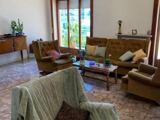 Foto - Appartamento via Luca Giordano, Vomero, Napoli