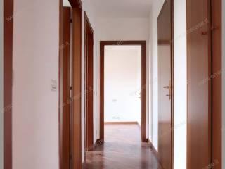 Foto - Trilocale via Vittorio Veneto 72, Centro, Brembate