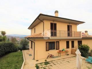 Foto - Villa bifamiliare via Alessandro Manzoni, Centro, Appignano del Tronto