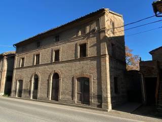 Foto - Casa colonica via Crocifisso, Convento, Urbisaglia